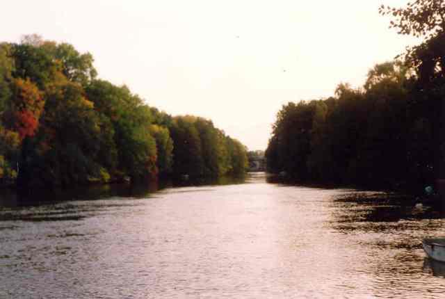 Motala_ström_i_Motala_hösten_1992.
