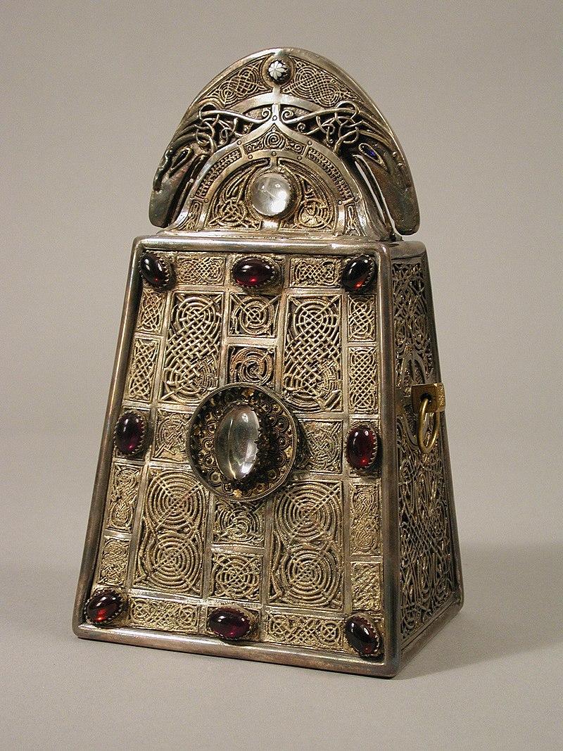 800px-The_Bell_of_Saint_Patrick_Shrine_MET_tem07651s1